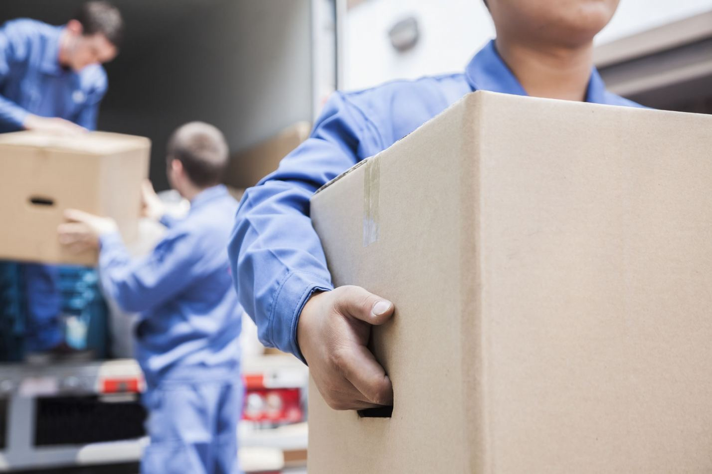 hiring moving company