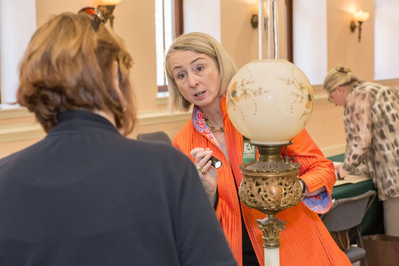 Appraiser Amanda Everard at the 2017 Antiques & Architecture Weekend