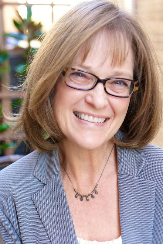 Joyce Whitbread Earns The Accredited Luxury Home Specialist (ALHS)  Designation