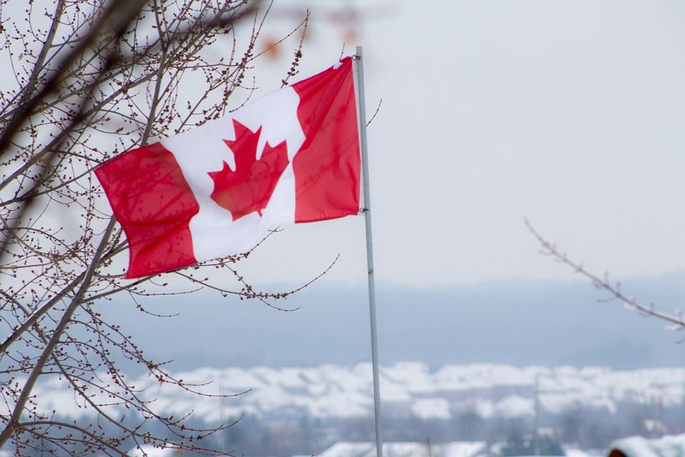 Red-Canadian-Flag-White-Winter-Canada-472394