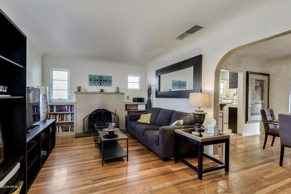81 W. Lewis Ave. in Willo: gorgeous wood floors, fireplace & remodeled kitchen