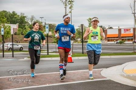 Participants in the 2017 Flashback 5k