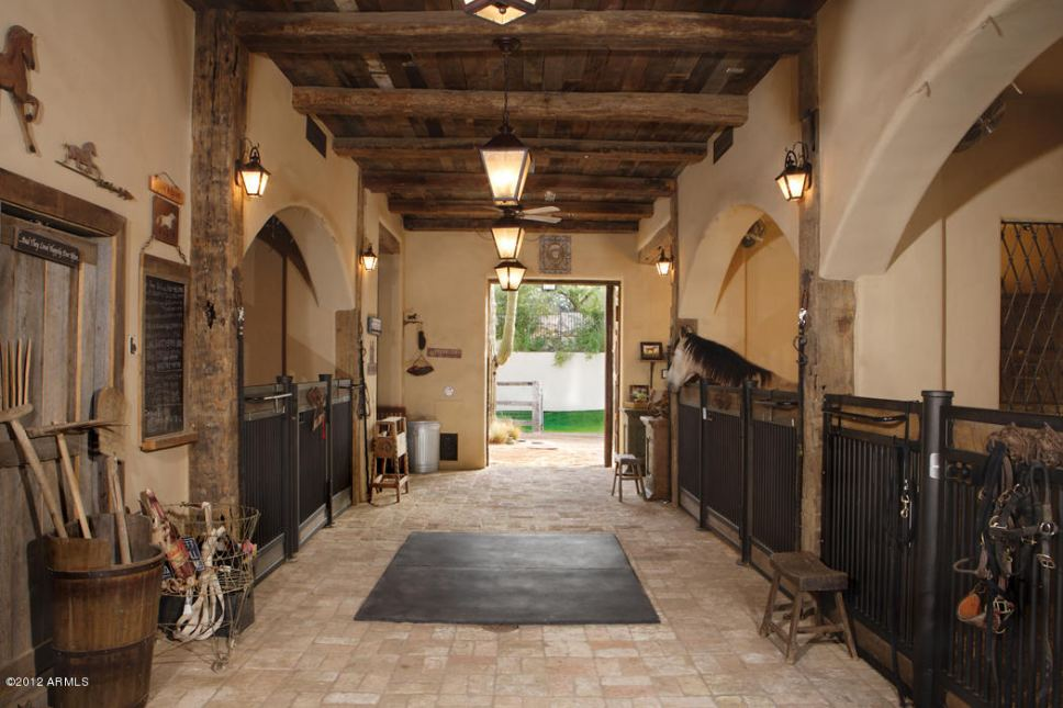 Realty ONE Group Arizona Luxury Horse Properties 480-323-5365 Nicholas McConnell