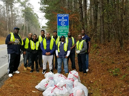 Truth & Union Lodge 594 Does Its Part to Keep Gwinnett Clean & Beautiful