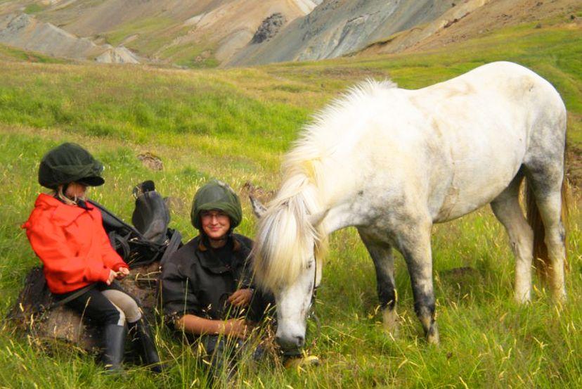 Women & Girls Golden Circle Riding Adventure