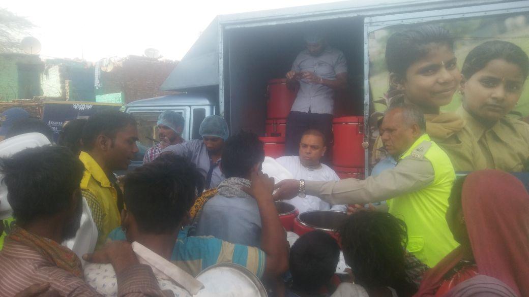 Food distribution in New-Delhi