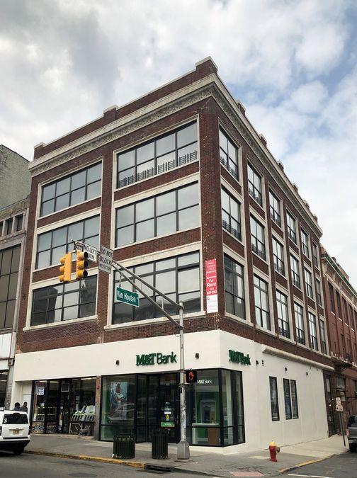 162 Main St.