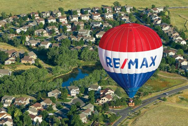 RE/MAX Hot Air Balloon in flight