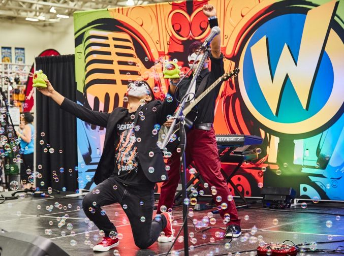Wizard World Comic Con Entertainment Stage