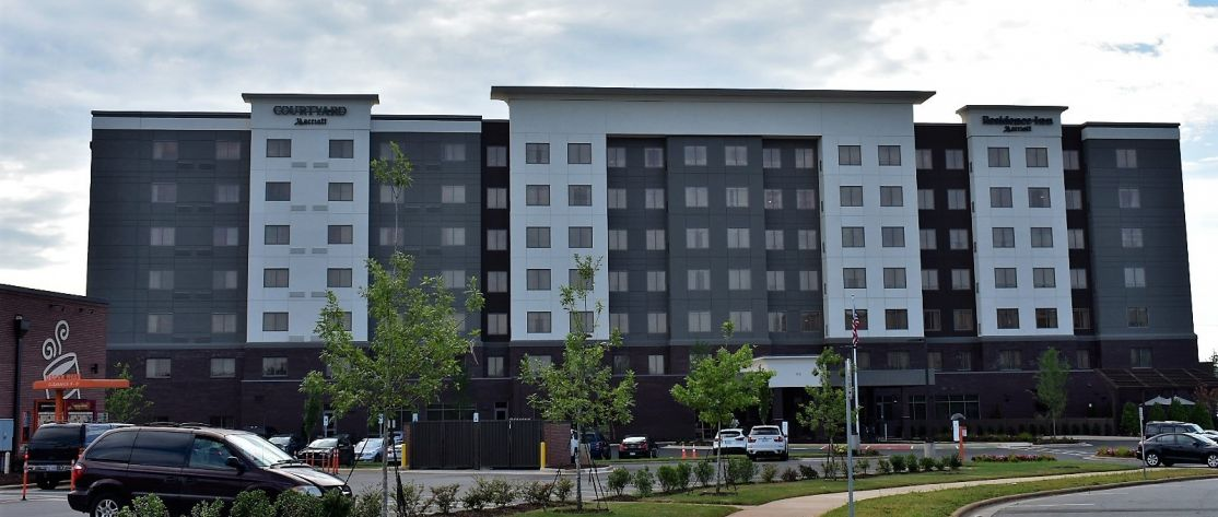 Residence Inn and Courtyard by Marriott in Charlot