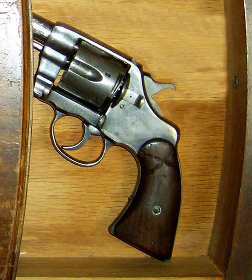 gun_in_drawer_PRLOG