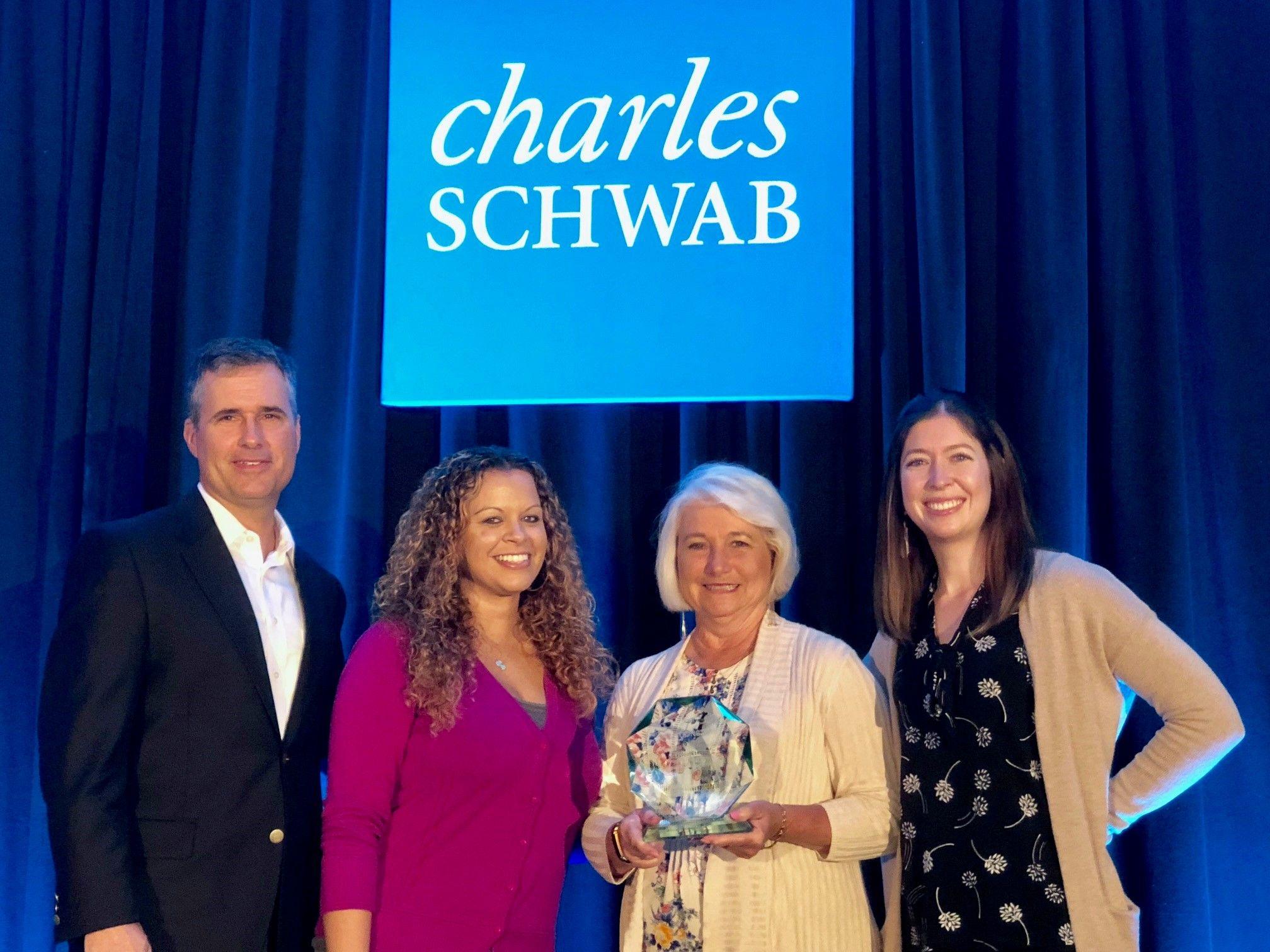 Dowling & Yahnke Receive Schwab SOLUTIONS® Operational Award