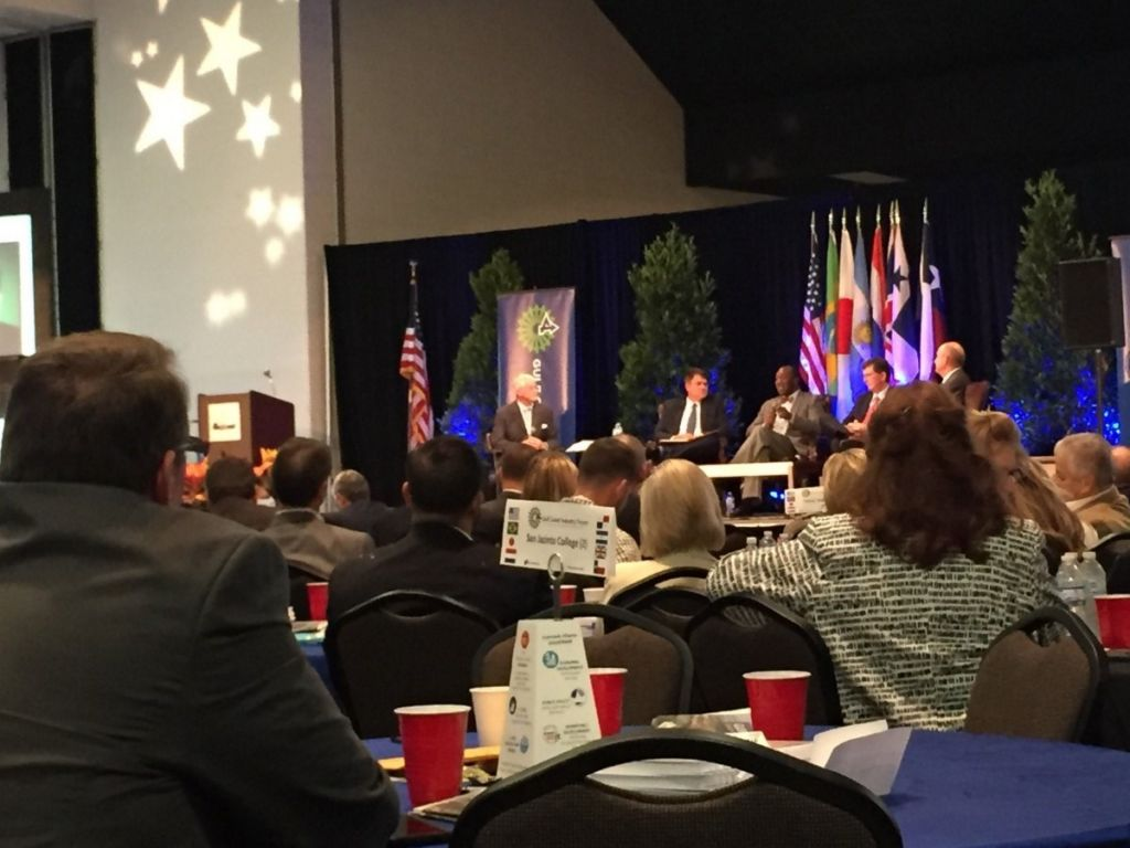 Gulf Coast Industry Forum features panel discussions and keynotes on growth.