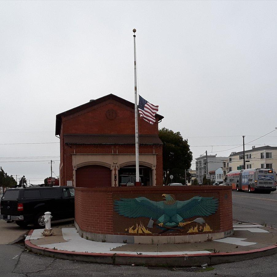 Sad Skies~ San Francisco Respects John McCain at Fire Station @ Lands End 9/1/18
