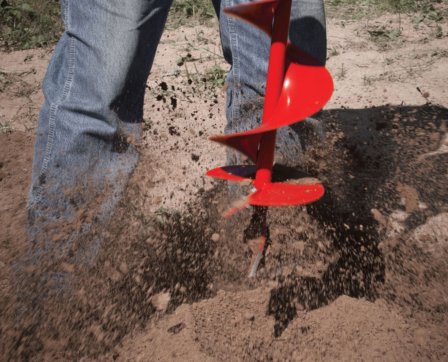 Earthquake E43 Earth Auger: Ground-breaking Power