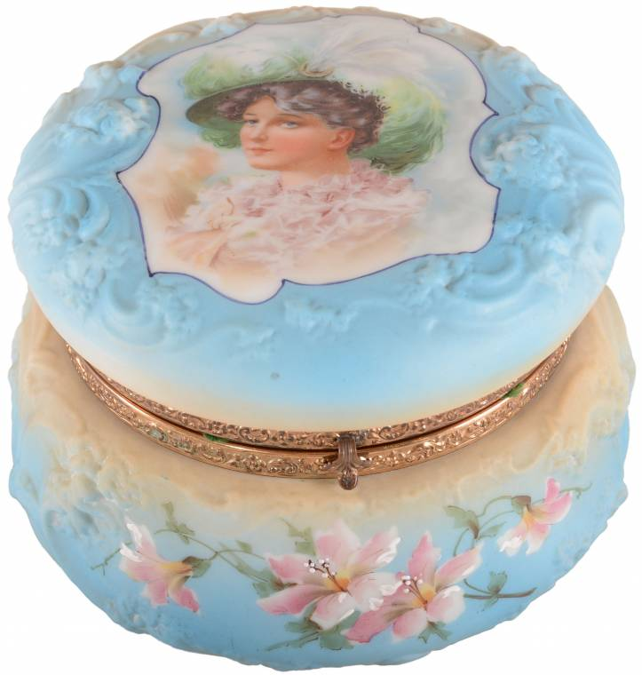 Nakara marked dresser box with lid showing a Gibson Girl portrait ($6,500).