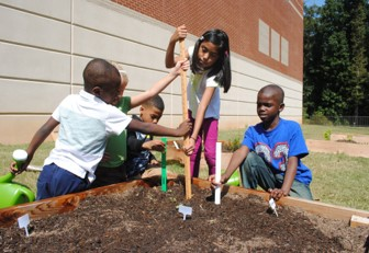 Gwinnett County ES Students Get Their Hands Dirty for Plant It Forward