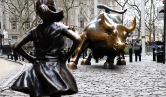 Statues of the Charging Bull and Fearless Girl