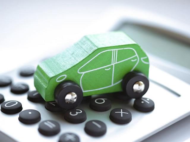 Learn How to Bag a Good Car Deal with the help of Auto Loan Ratios