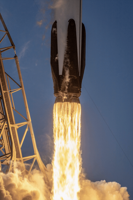 Rare Closeup Of Dramatic SpaceX Falcon 9 Launch Captured In