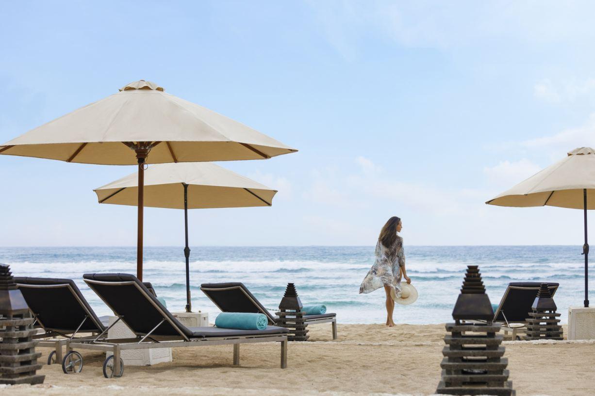 The Ritz-Carlton, Bali - Beach Moment