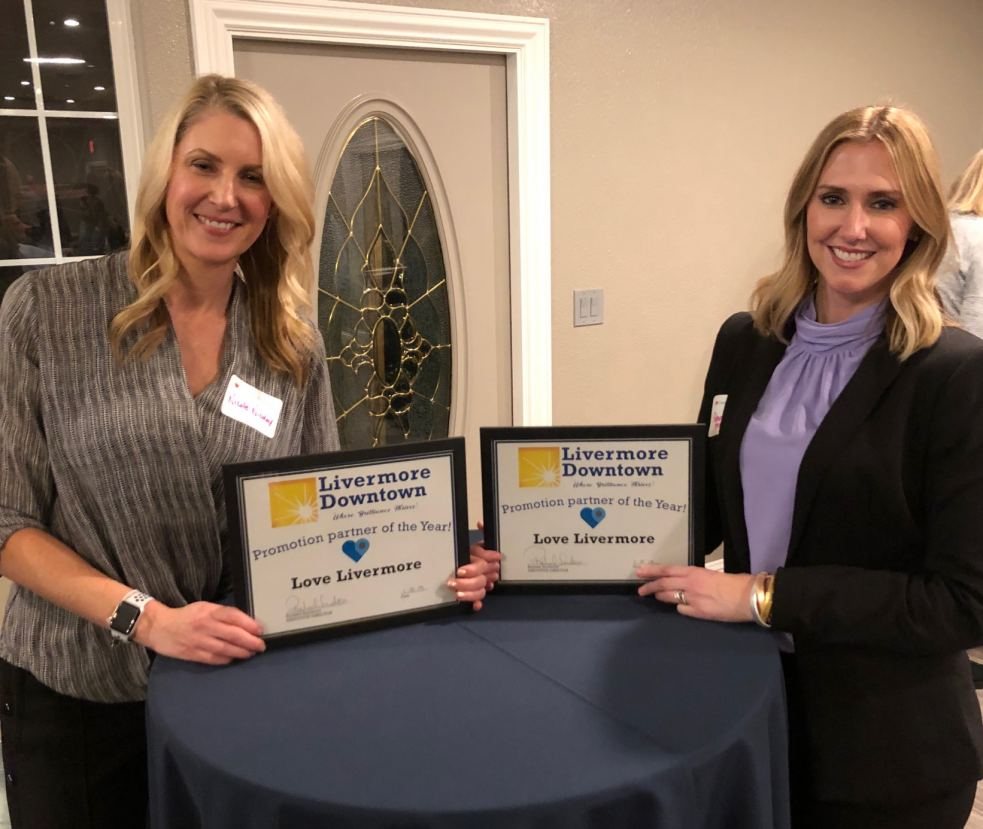 """Nicole Nicolay and Robyn Annicchero, LDI """"Promotion Partner of the Year"""""""