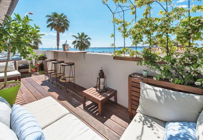 01-Cannes-Short-Term-Rental-Apartment-Terrace-CA10