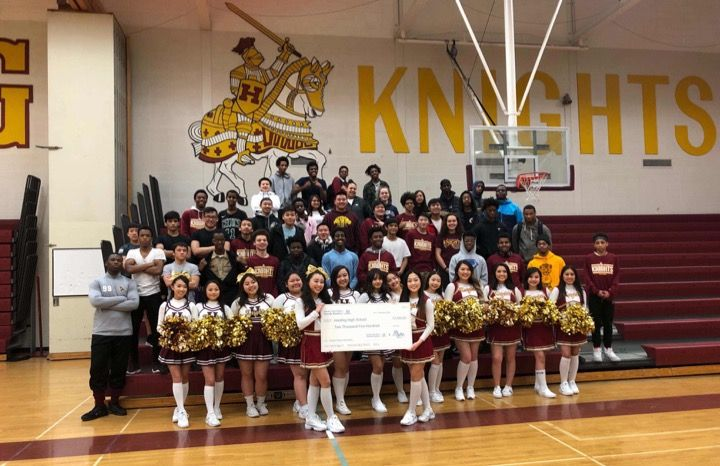 Buerkle Honda donated $2,500 to Harding High School.
