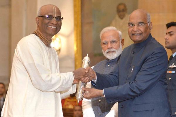 Gandhi-Peace-Prize-3