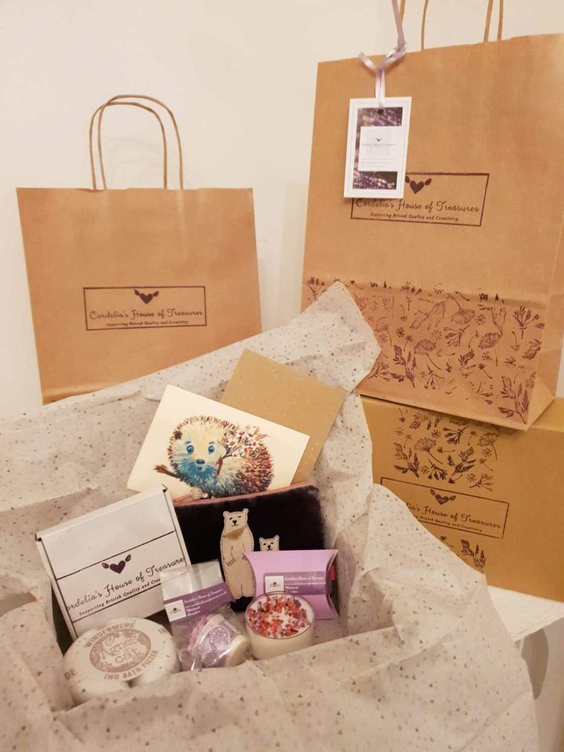 monthly subscription gift boxes and packaging