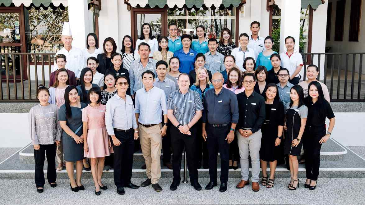 Le Meridien Phuket Staff led by General Manager Julian Lowry (1st Row-Center)