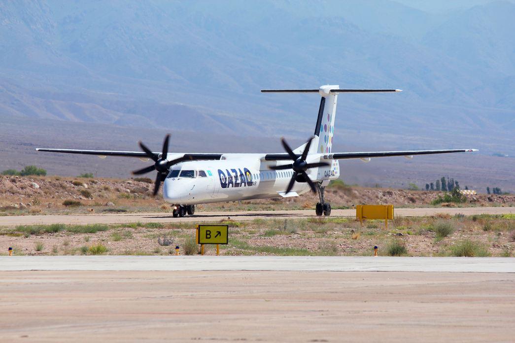 QAZAQ AIR Q400