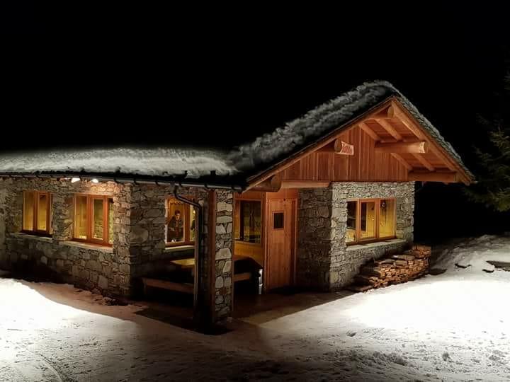 Aprica ski lodge for sale