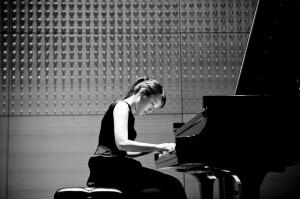 Ko-Eun Yi, piano