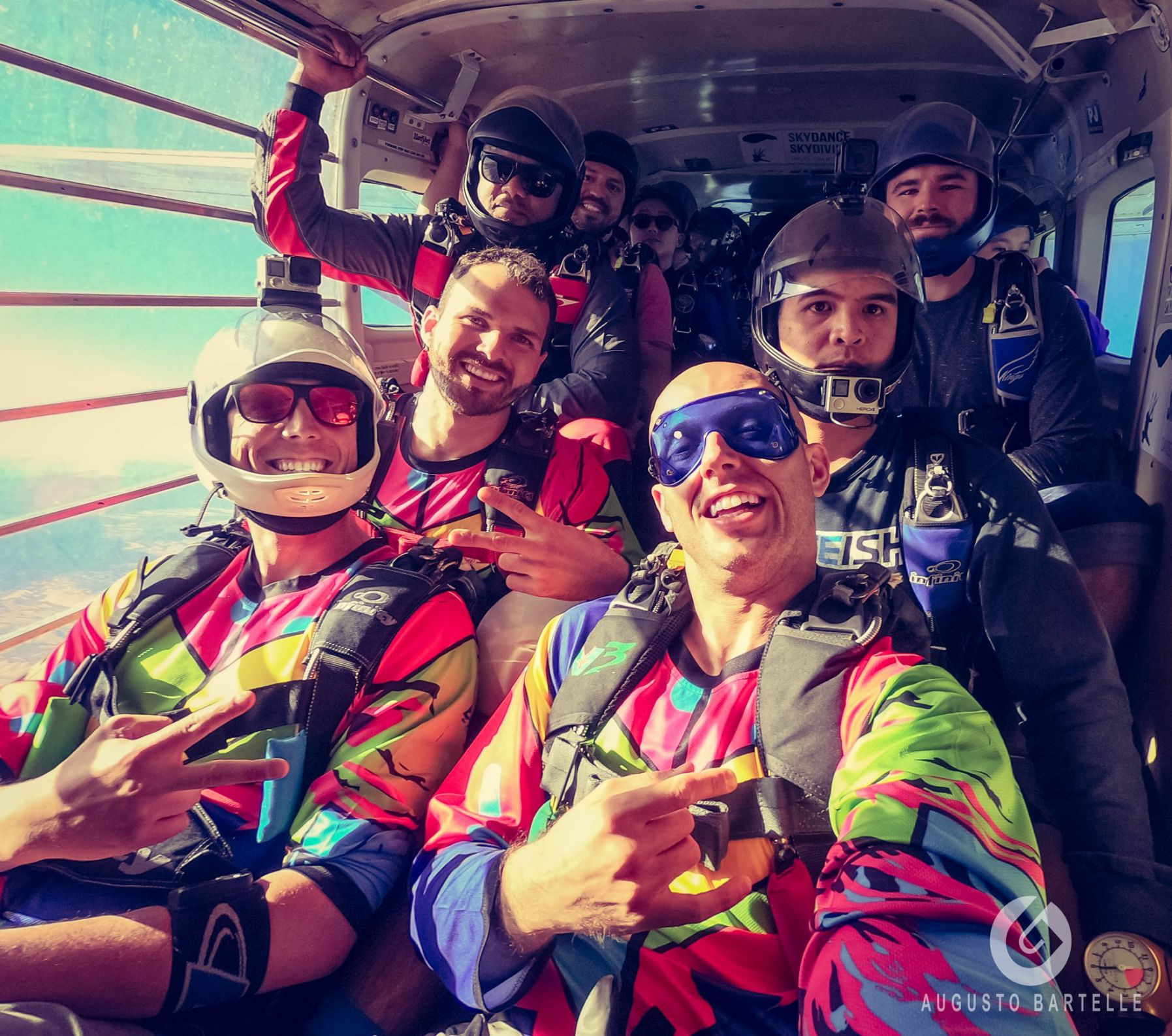 colorful-jerseys-skydiving-brand