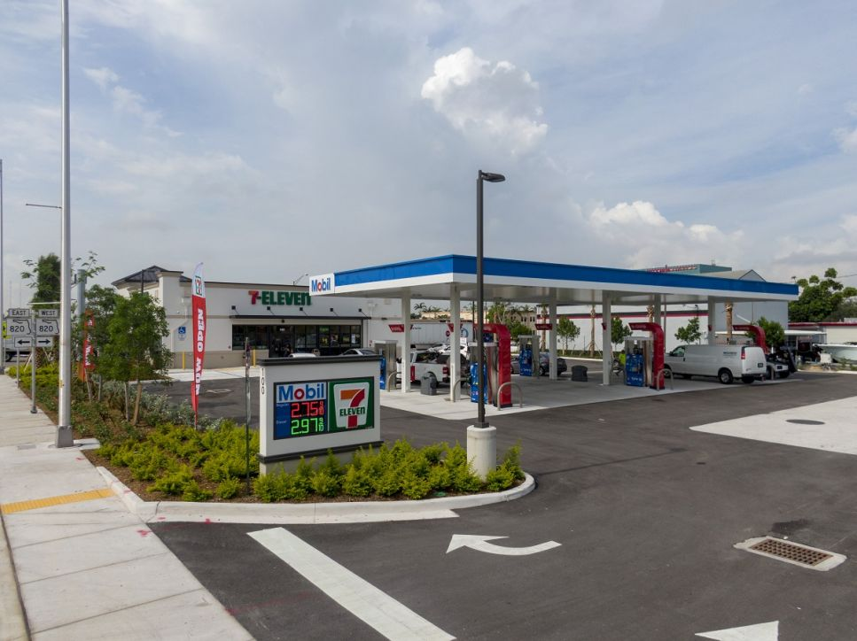 Creighton Construction & Development completes 7-Eleven in Hollywood, FL