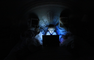 Blue-LED-helps-overcome-morning-sleep