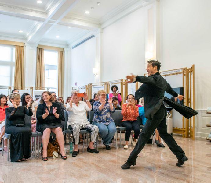 Argentine performer Ruben Celiberti showcases his talents at the Info Center.