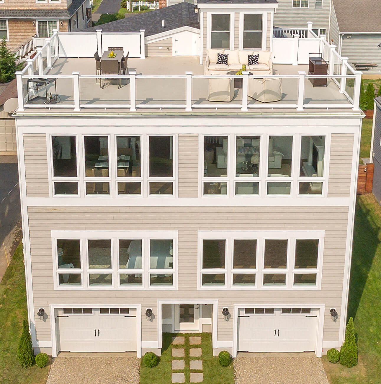 Award-Winning Compo Beach House with Angle Rooftop Deck
