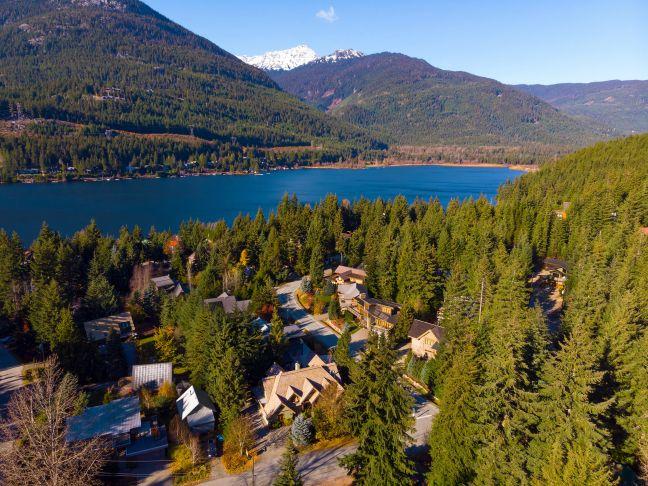 3012 Alpine Crescent   Whistler, Canada