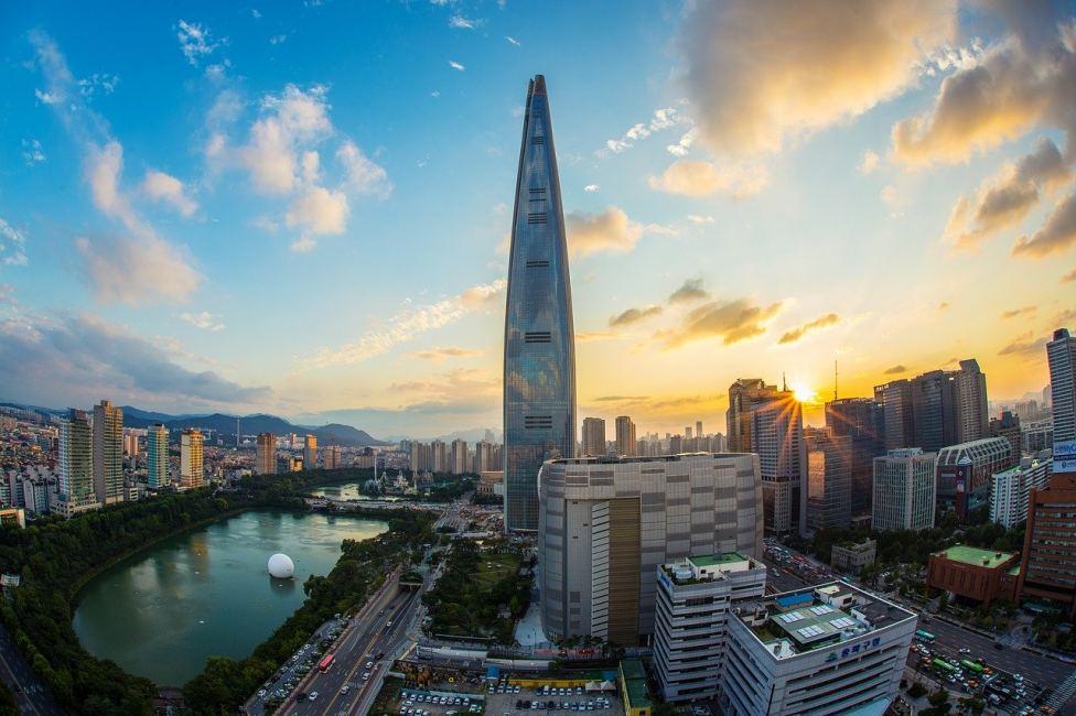 Seoul South Korea Skyline with Lotte World Tower (Photo Credit: Pixabay)