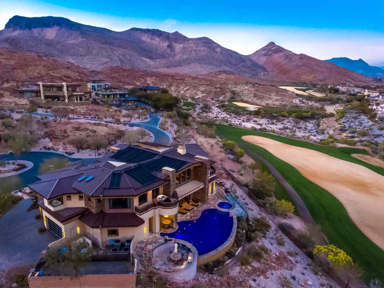 64 Promontory Ridge Drive | Las Vegas, NV