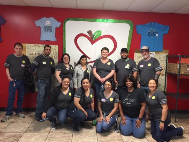 Dallas Teams Volunteering At Minnie's Food Pantry