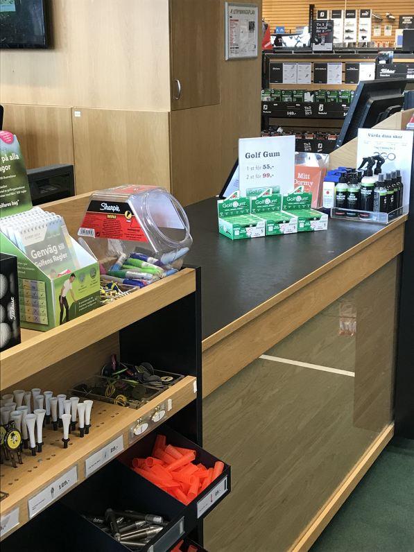 Golf Gum® Display, Dormy Barkarby Mall, Stockholm