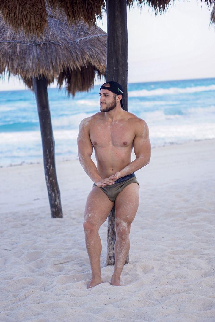 Fitness Model Izan Xander