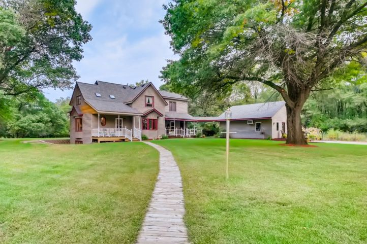 Home for sale in Isanti