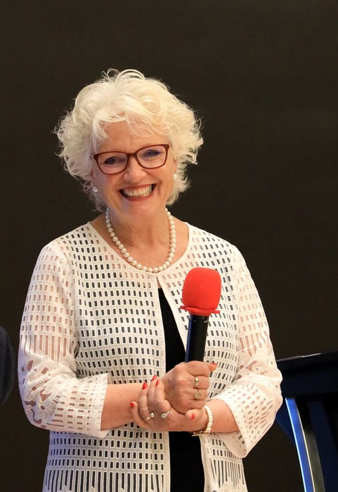 Dr. Linda Howe