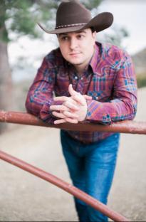 Rising Country Singer-Songwriter Daniel Bonte
