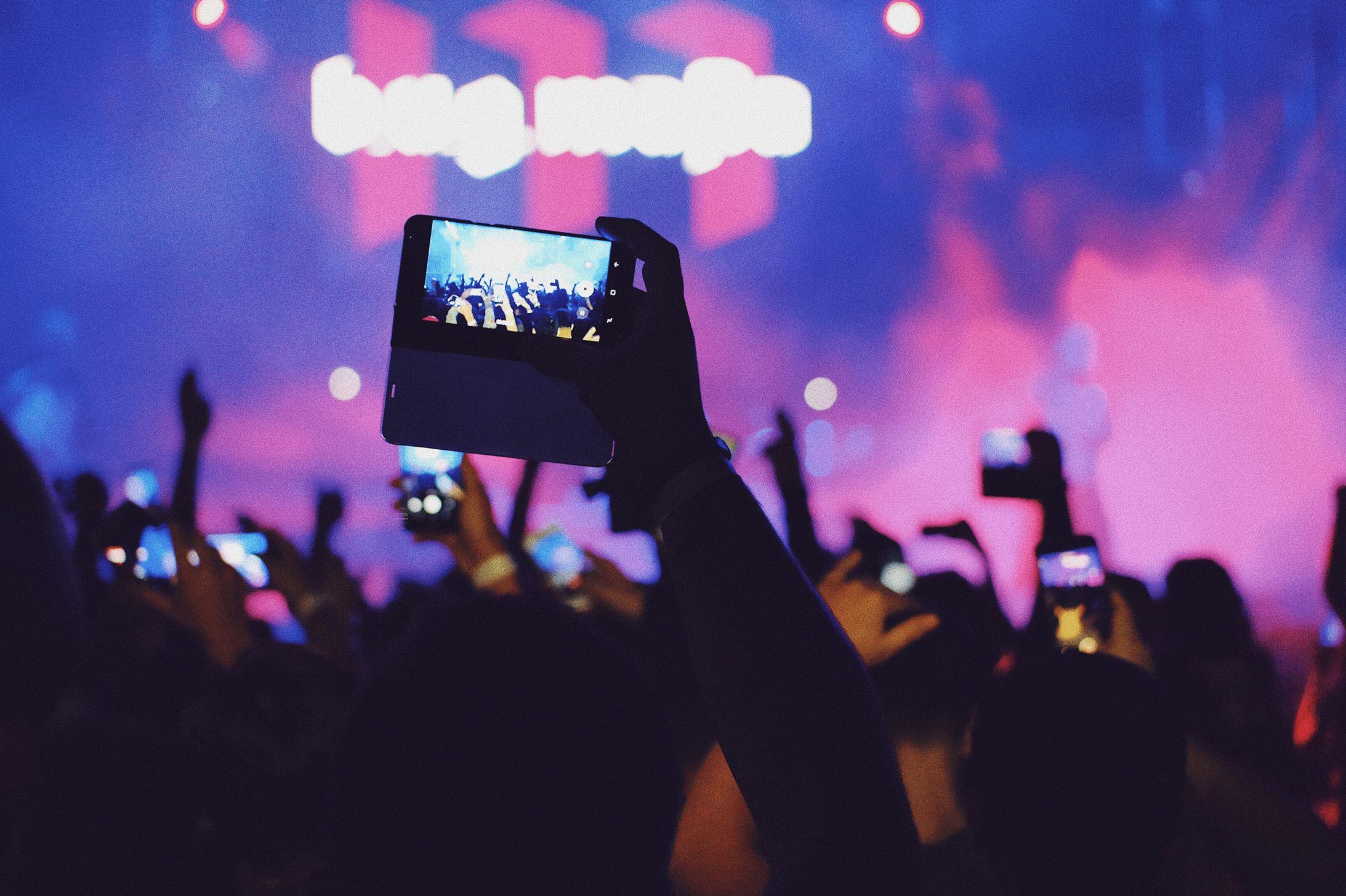 Facebook Live At A Hip Hop Concert Mlbanf6