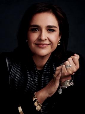 Theresa Vargas Wyatt. El Rey and La Reyna